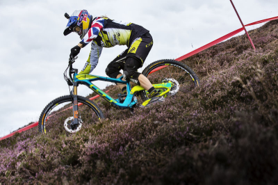 "The Rachel ""the fox"" Atherton, chasing 150 ladies down a mountain at the Red Bull Foxhunt"