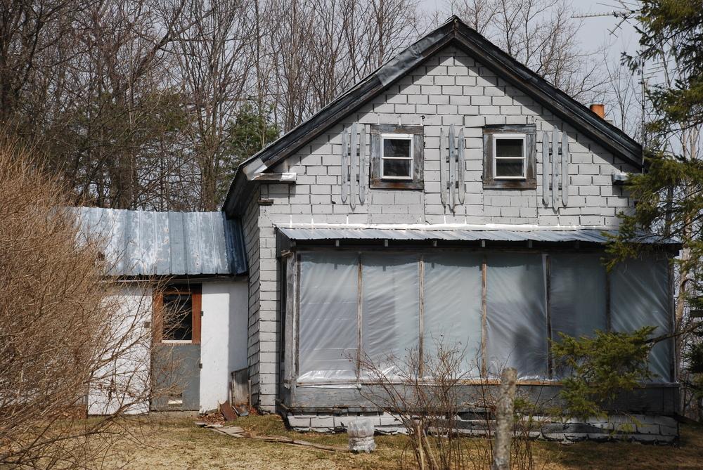 rural_house.JPG