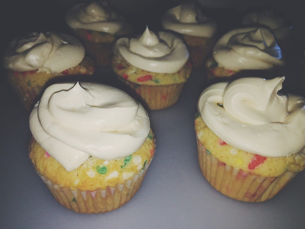 frosted funfetti cupcakes