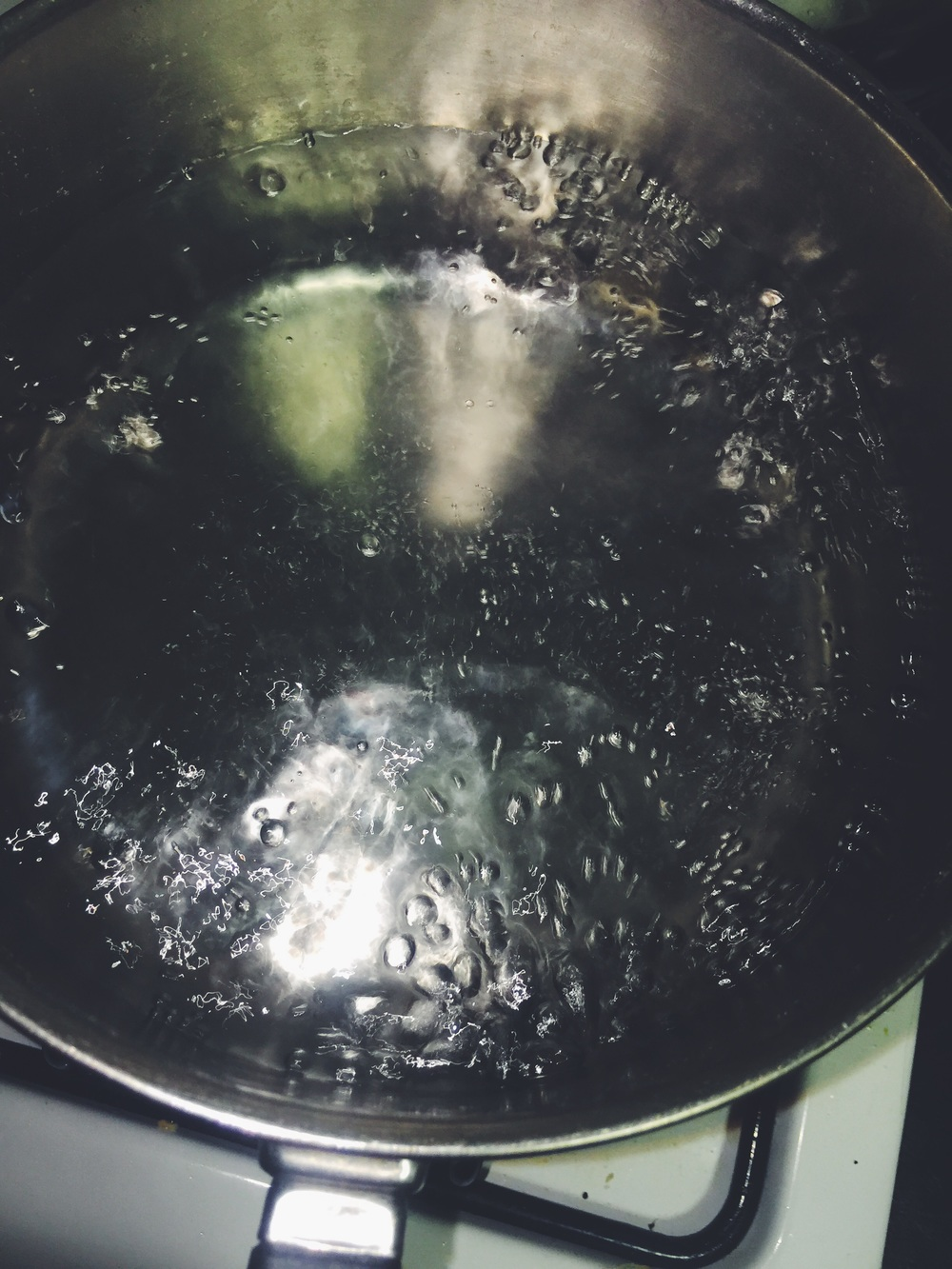 water for poached eggs