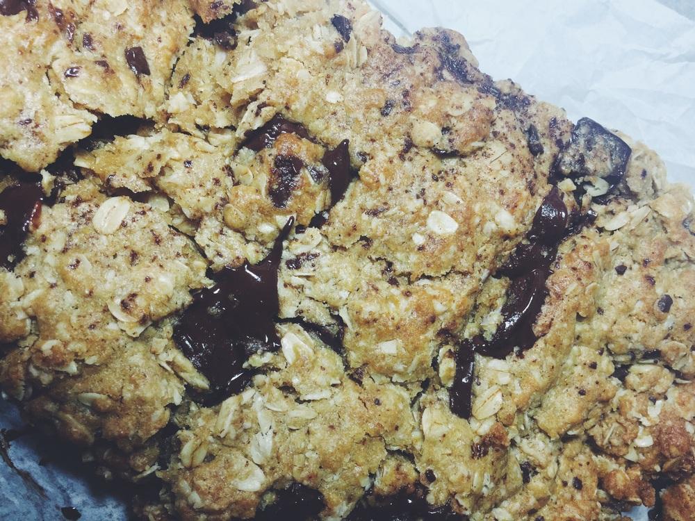 "dark chocolate ""healthy"" cookie bars"