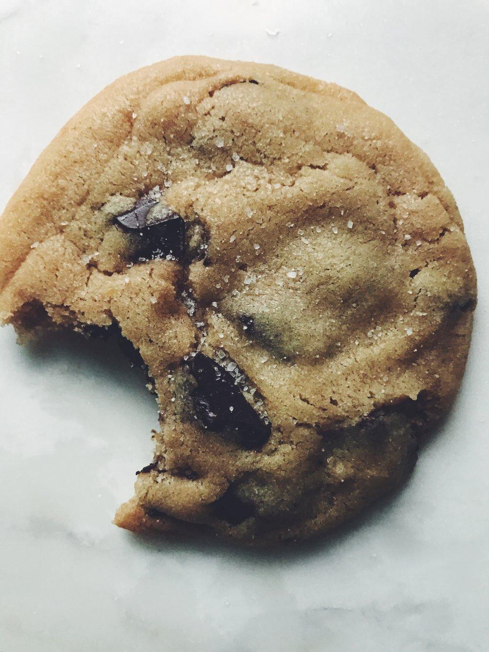 salted caramel choco chunk cookies