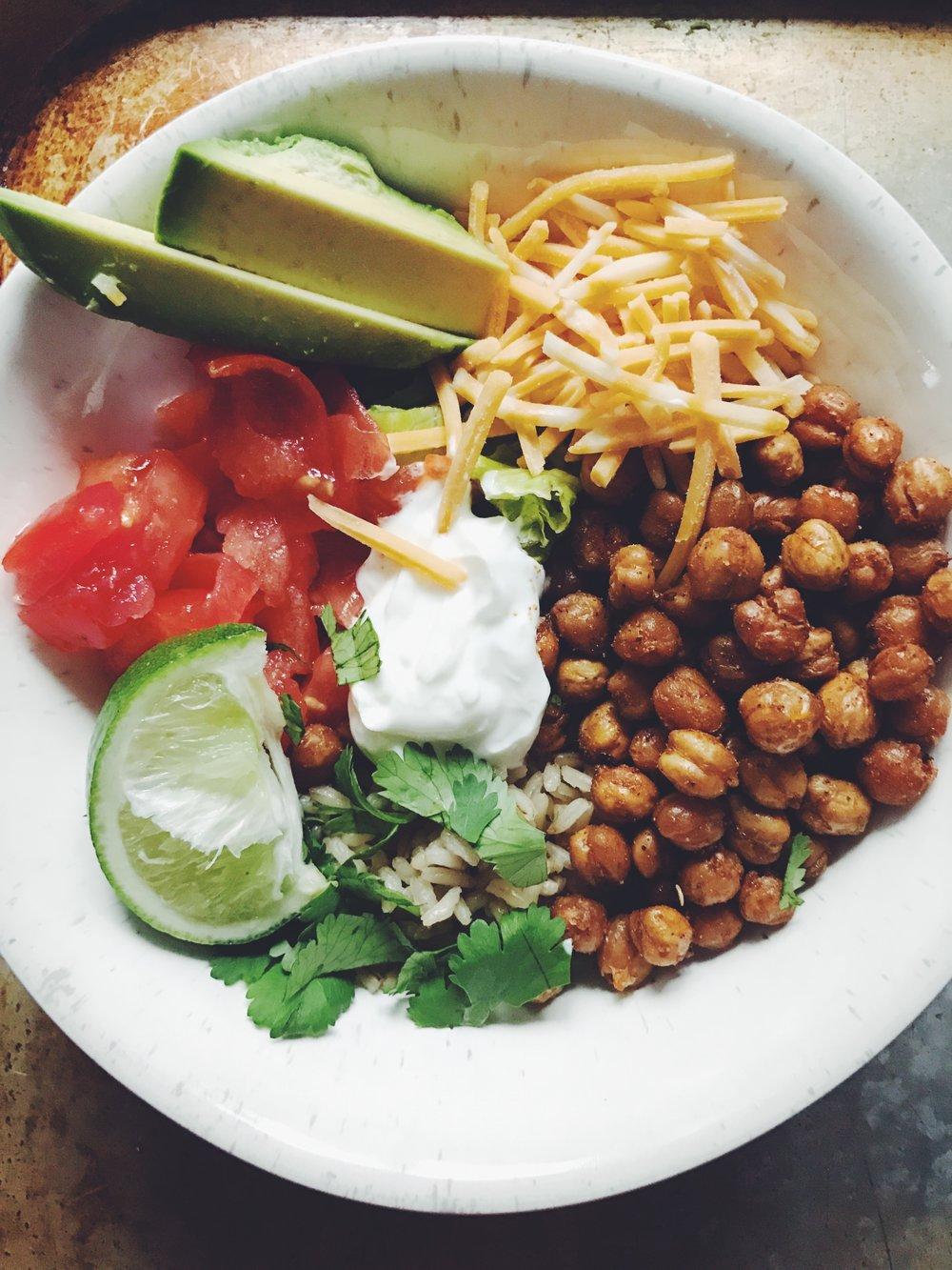 healthy(ish) burrito bowls