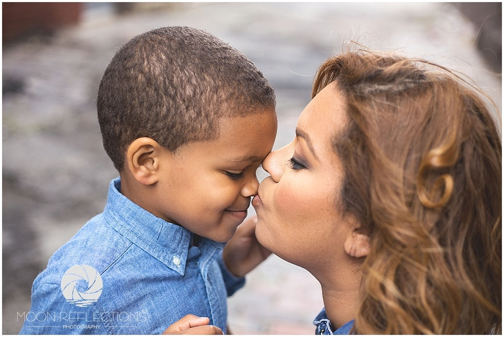 Mother's Day Mini Sessions Moon Reflections Photography_0012.jpg