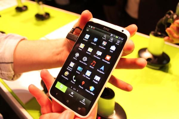 HTC-One-X-11