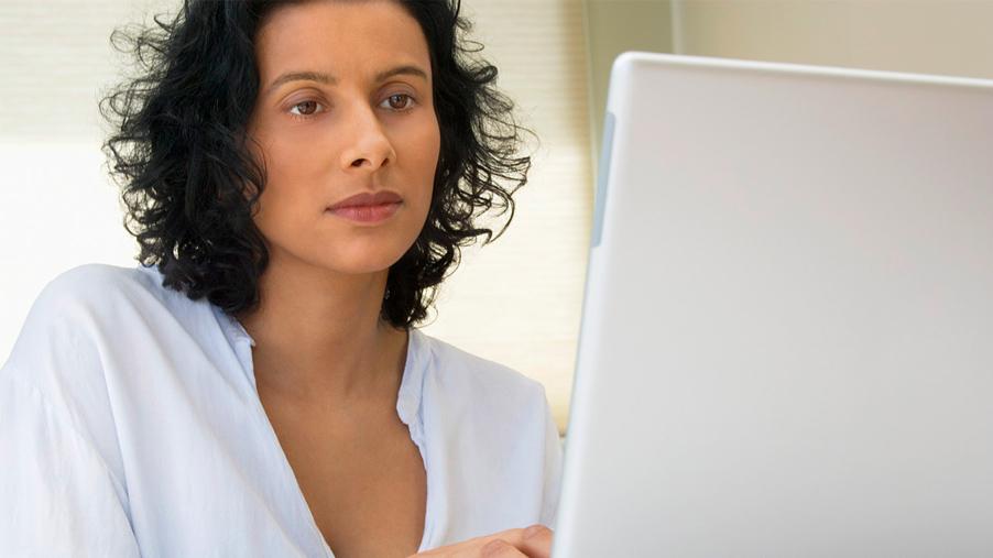 woman on internet