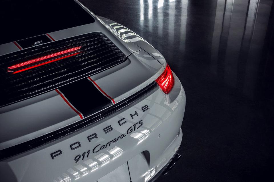 porsche-unveils-911-carrera-rennsport-reunion-edition-4.jpg