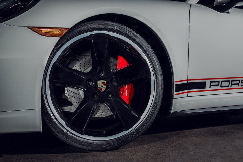 porsche-unveils-911-carrera-rennsport-reunion-edition-2.jpg