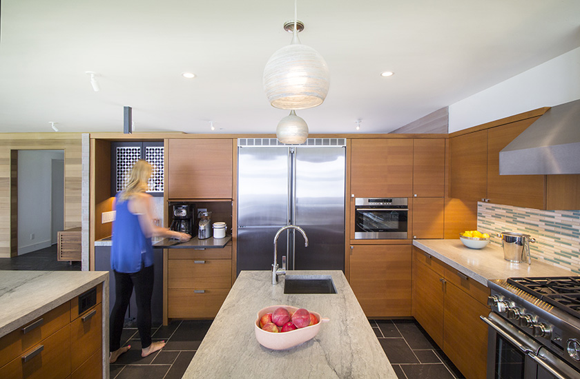 modern-lake-kitchen-07.jpg
