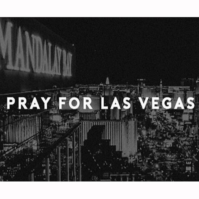 Vegas should be one happy cheerful city. Our heart and prayers go out to all the people affected by last nights disgusting display of cowardice and evil.  ポーカープレーヤーの聖地「ラスベガス」。楽しい思い出が毎日生まれる幸せな街「ラスベガス」。こんなニュースはただただ悲しい。アメリカ史上最悪の銃乱射事件に巻き込まれた全ての被害者、その家族、その友人の心に平和が早く訪れることを願います。  #prayforvegas #vegasstrong