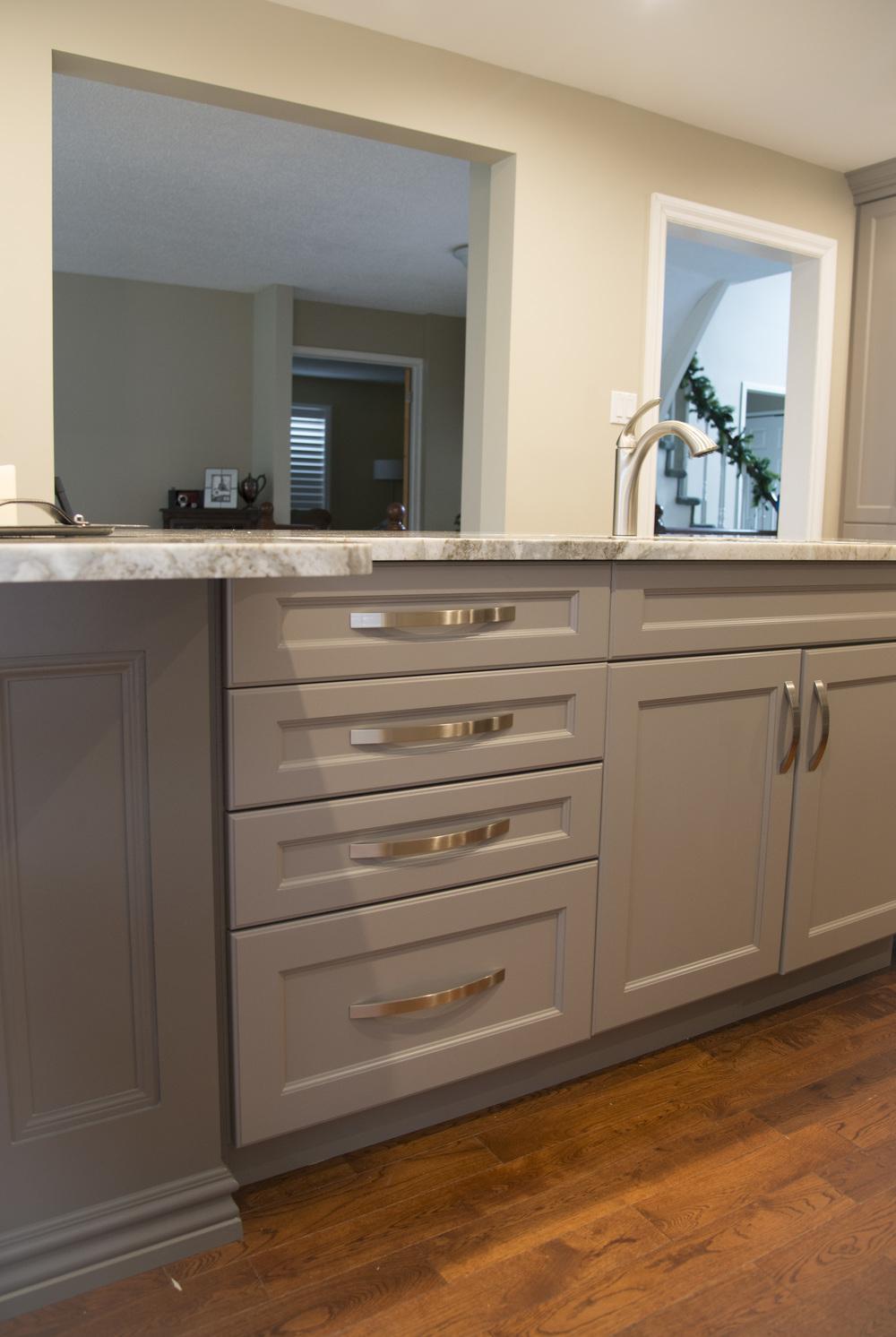 Grey_kitchen_5.jpg