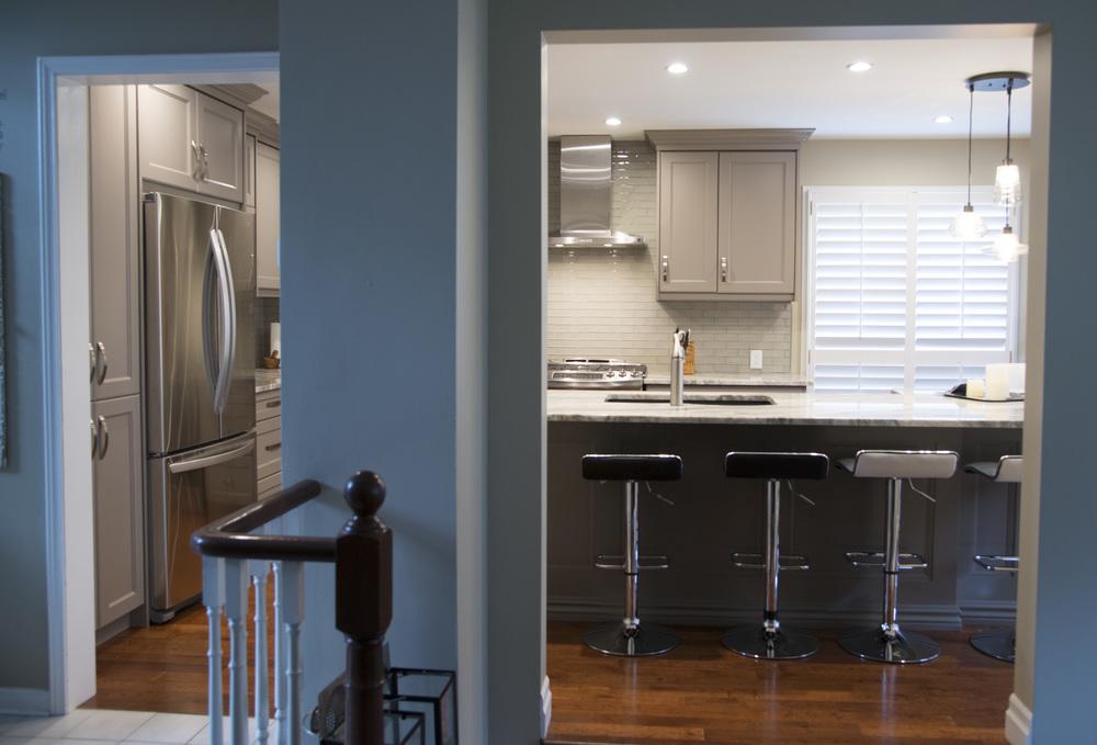 Grey_kitchen_10.jpg