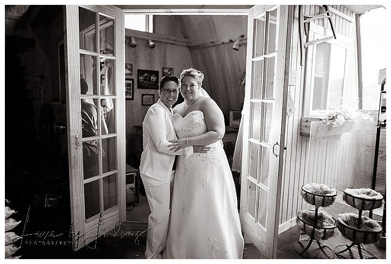 NYC_NJ_Wedding_Photographer_Asbury_Pattenburg_House_LGBT_Same_Sex_Luxe_By_Lindsay_035.jpg