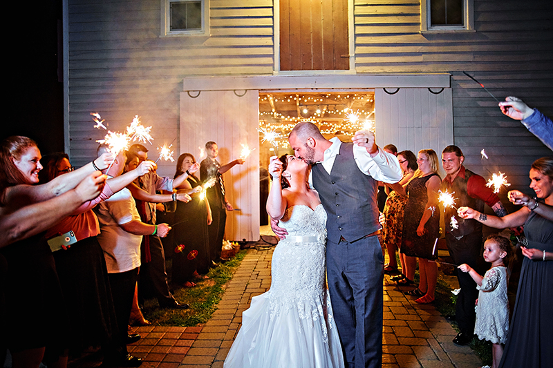 luxebylindsay-bride-and-groom-sparkler-exit.jpg