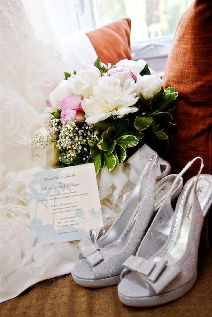 New_York_City_NYC_Destination_Wedding_Photographer_Details_Rings_Flowers_Shoes__06.jpg