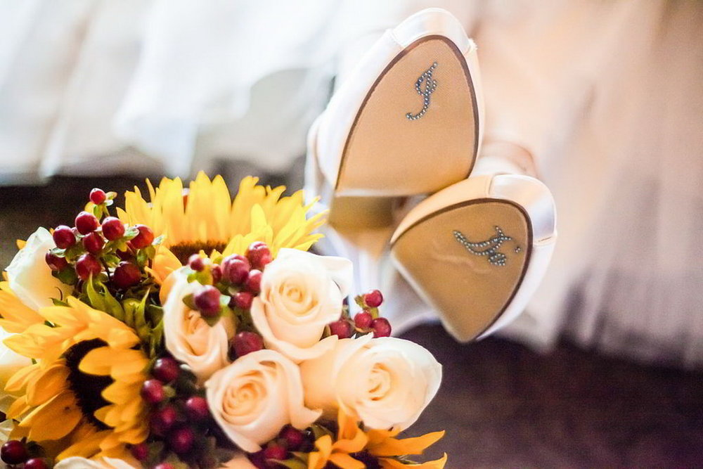 New_York_City_NYC_Destination_Wedding_Photographer_Details_Rings_Flowers_Shoes__47.jpg