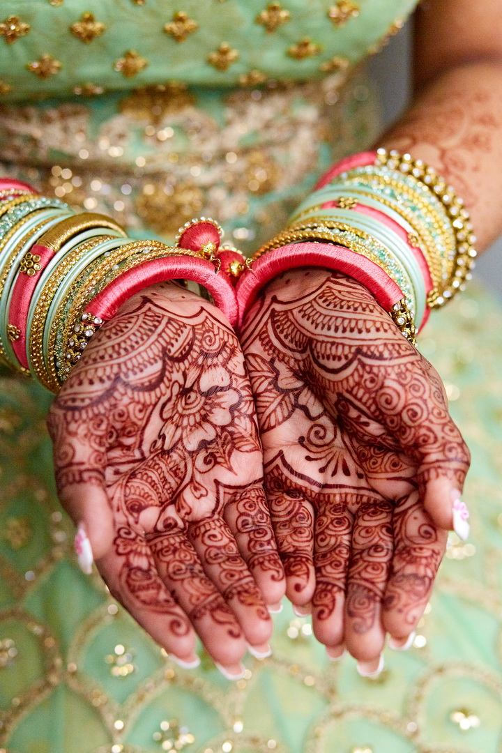 New_York_City_NYC_Destination_Wedding_Photographer_Details_Rings_Flowers_Shoes__Mendhi_Henna_03.jpg