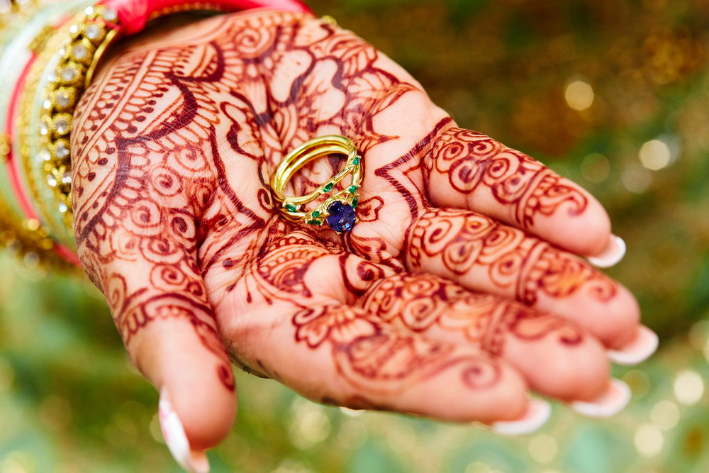 New_York_City_NYC_Destination_Wedding_Photographer_Details_Rings_Flowers_Shoes_Mendhi_Henna_05.jpg