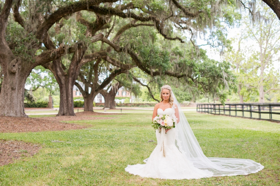 Boone-Hall-Cotton-Dock-Wedding-SabrinaFields-121-1024x683(pp_w900_h600).jpg