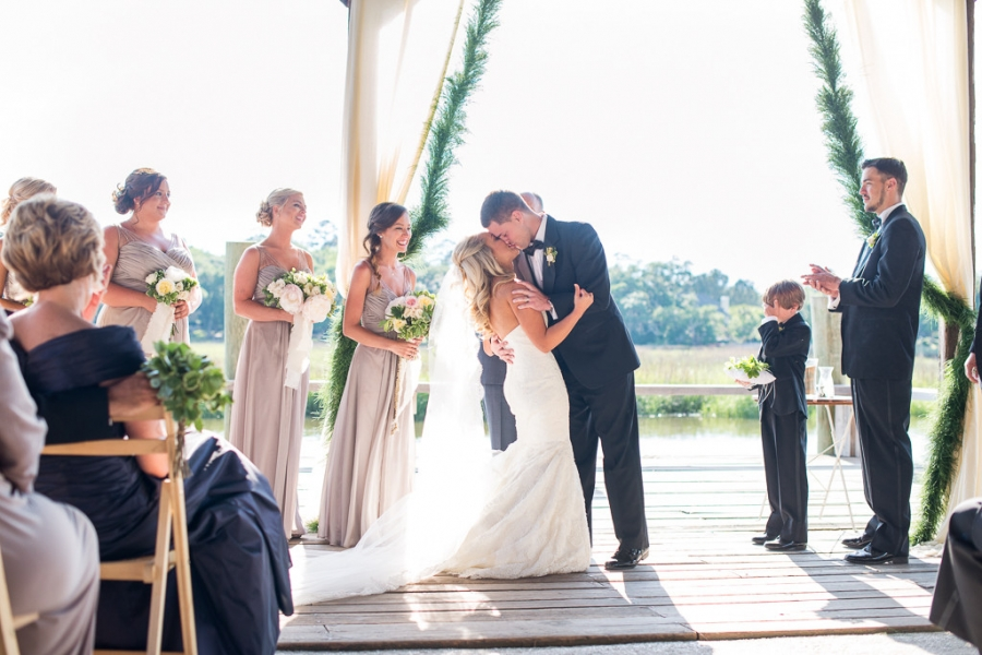 Boone-Hall-Cotton-Dock-Wedding-SabrinaFields-167-1024x683(pp_w900_h600).jpg