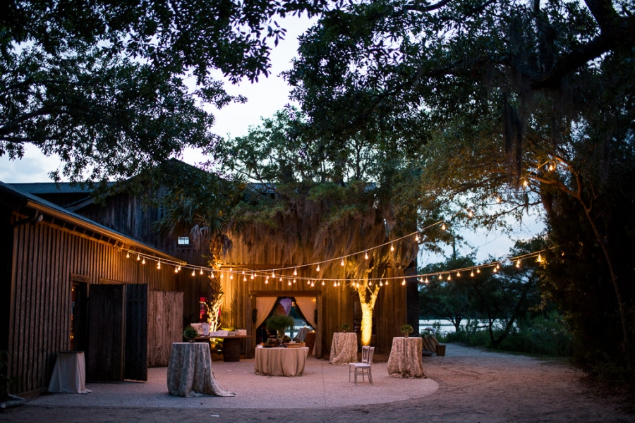 Boone-Hall-Cotton-Dock-Wedding-SabrinaFields-215-1024x683(pp_w900_h600).jpg