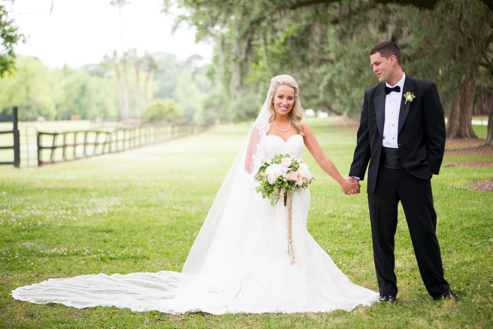 Amy & Andrew Boone Hall Plantation | Photos by Sabrina Fields
