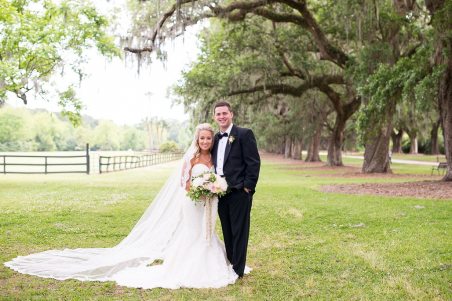 Boone-Hall-Cotton-Dock-Wedding-SabrinaFields-131-1024x683(pp_w900_h600).jpg