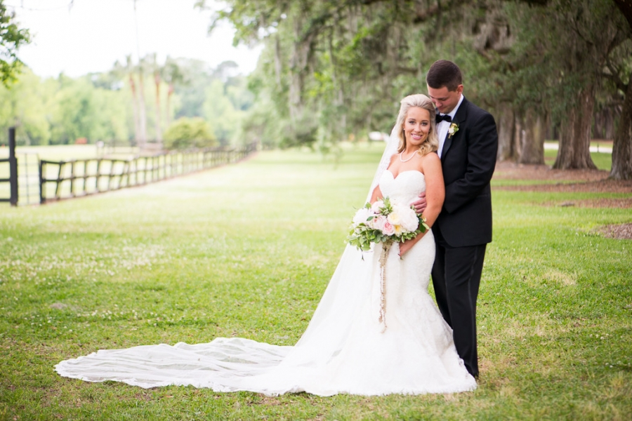 Boone-Hall-Cotton-Dock-Wedding-SabrinaFields-134-1024x683(pp_w900_h600).jpg