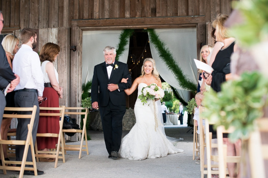 Boone-Hall-Cotton-Dock-Wedding-SabrinaFields-162-1024x683(pp_w900_h600).jpg