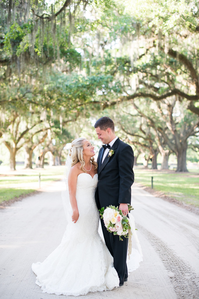 Boone-Hall-Cotton-Dock-Wedding-SabrinaFields-170-683x1024.jpg