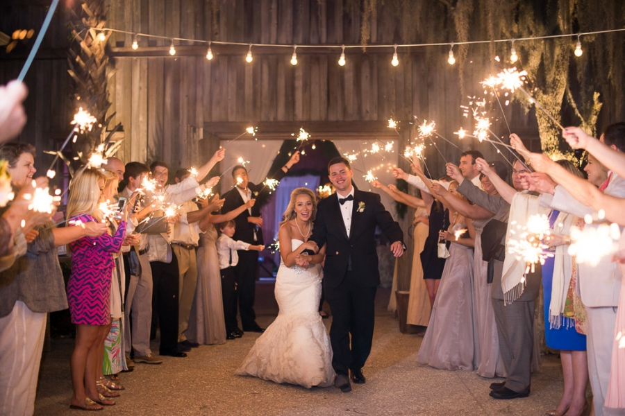 Boone-Hall-Cotton-Dock-Wedding-SabrinaFields-232-1024x683(pp_w900_h600).jpg