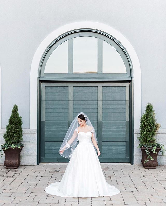 It's that time of year when everything seems to get so busy, full of hustle & bustle... this bridal portrait is so peaceful, so happy, let it remind us to slow down and soak in all the little things with the ones we love!