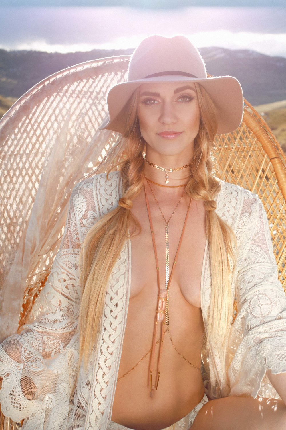 COLORADO GYPSY DREAMIN' - Photo Shoot Story shot by Alyssa Risley - IG @alyssarisley #GLOW