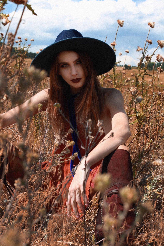 SAVANA IN EVERGREEN - Fashion Editorial Story shot in Colorado by Alyssa Risley - IG @alyssarisley ORANGE GRASS SCARE CROW