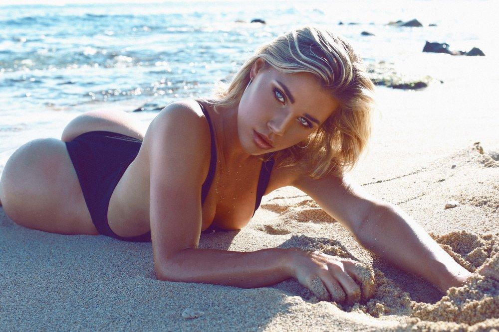 Sarah Laydown Sand RED SEA XS 872B4451.jpg