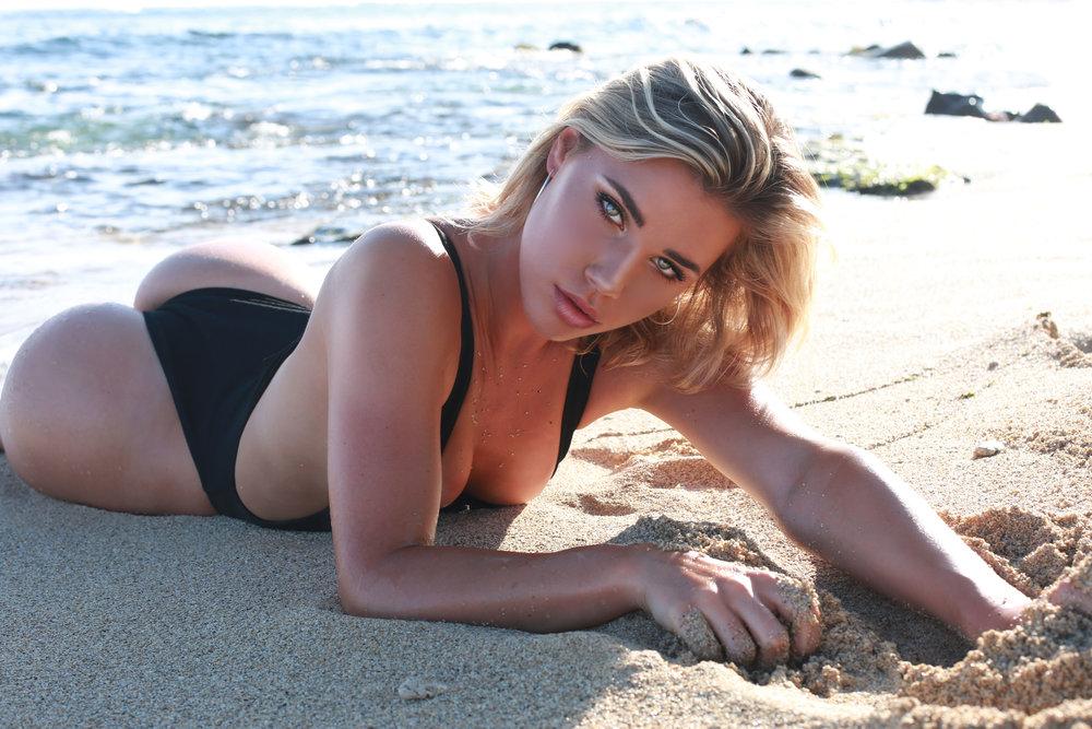 Sarah Laydown Sand ACTIONS TEST XS 872B4451.jpg