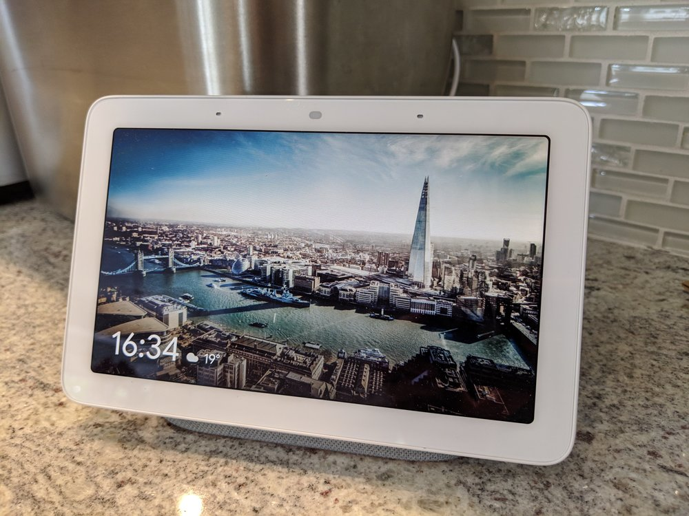 Google Home Hub in picture frame mode