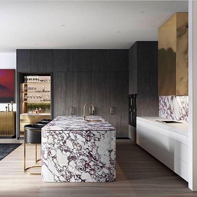 🖤 . . . . #kitchendesign #goldrangehood #rangegoals #kitchen #interiordesign #interiores #marble #marbleisland #kitchengoals #kitchenglamour