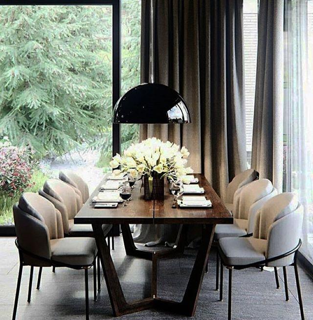 Come sit w/ me ✔️ @balcon.studio . . . . #interiordesign #interior #diningroomdecor #diningtable #blackpendant #contemporarydesign #luxurydesign #customdrapery #decor #homedecor