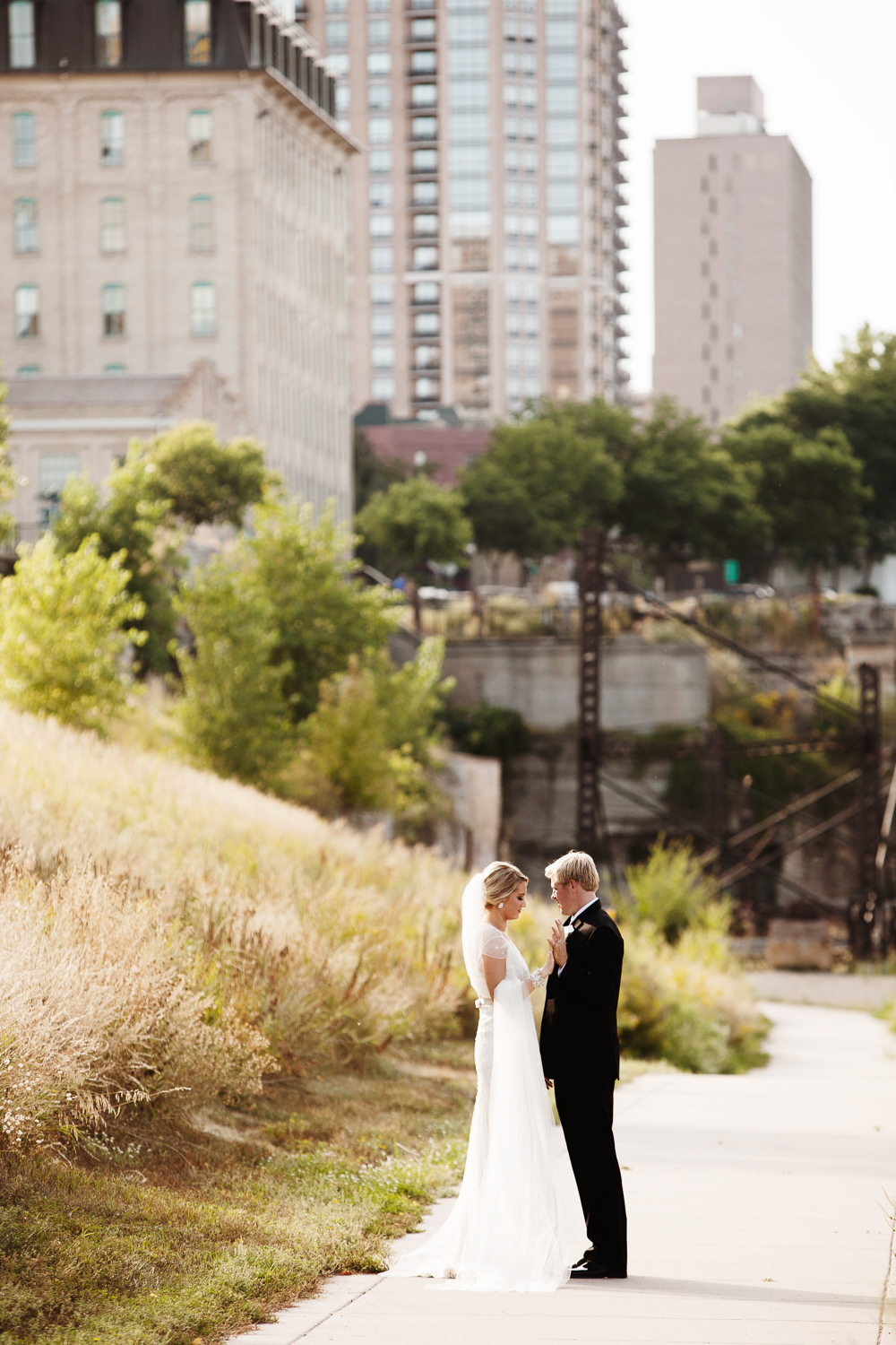 clewell minneapolis wedding photographer-312992142218495.jpg