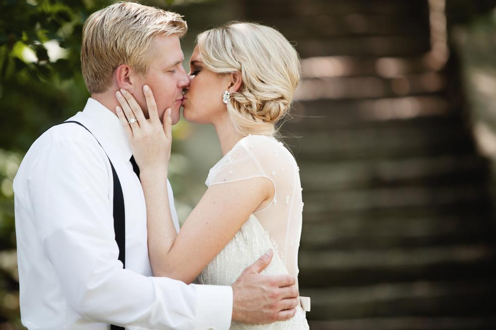 clewell minneapolis wedding photographer-13159383116338393.jpg