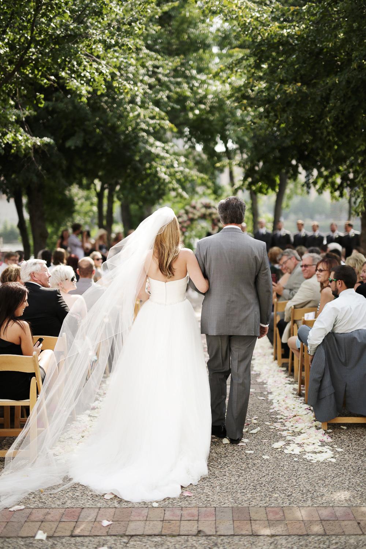 clewell minneapolis wedding photographer-24627611954393418.jpg