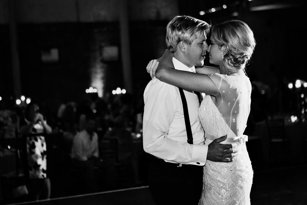 clewell minneapolis wedding photographer-39421254374183115.jpg