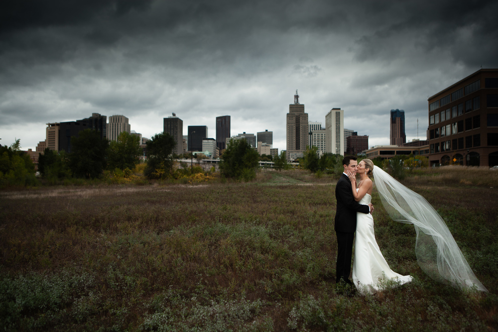 clewell minneapolis wedding photographer-150250405229370208.jpg