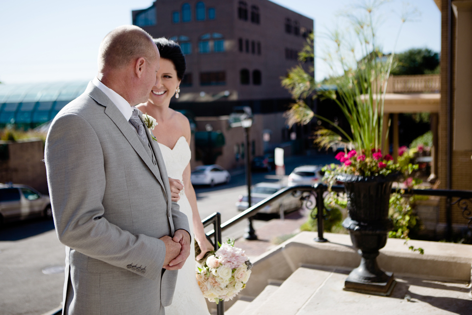 minneapolis-wedding-photographer-nicollet-island-graves-hotel-41.jpg