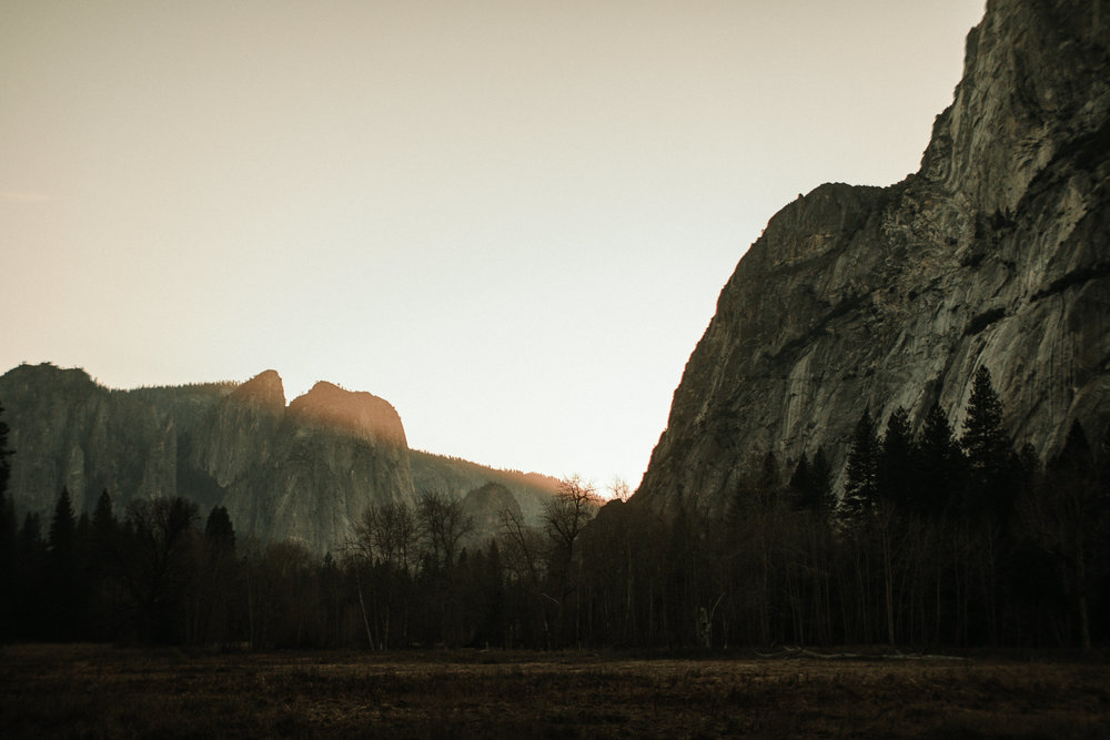 Last Light over the Mountains in Yosemite