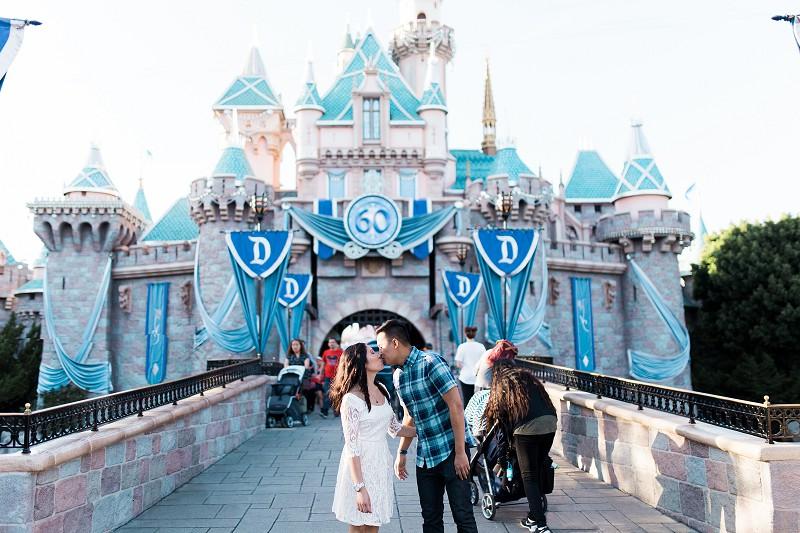 DisneylandEngagementSession_005.jpg
