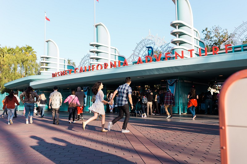 DisneylandEngagementSession_009.jpg