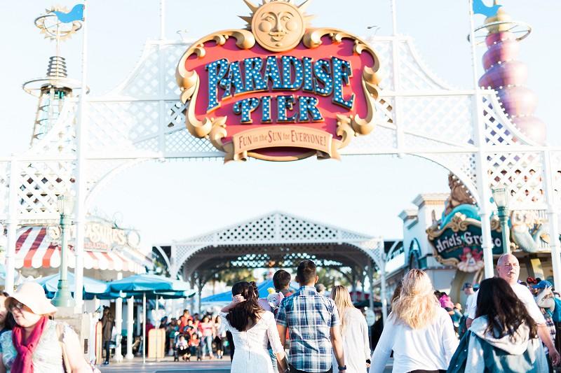 DisneylandEngagementSession_015.jpg
