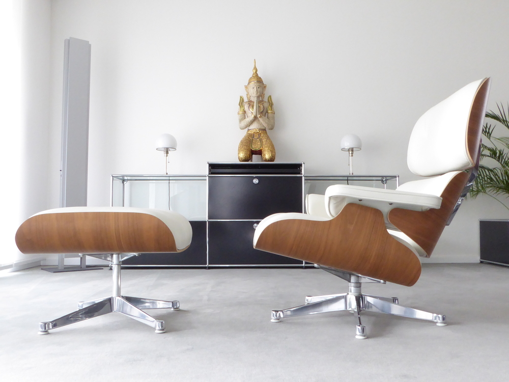 Charles Eames Lounge Chair Vitra La Chaise Lounge Chair By Charles